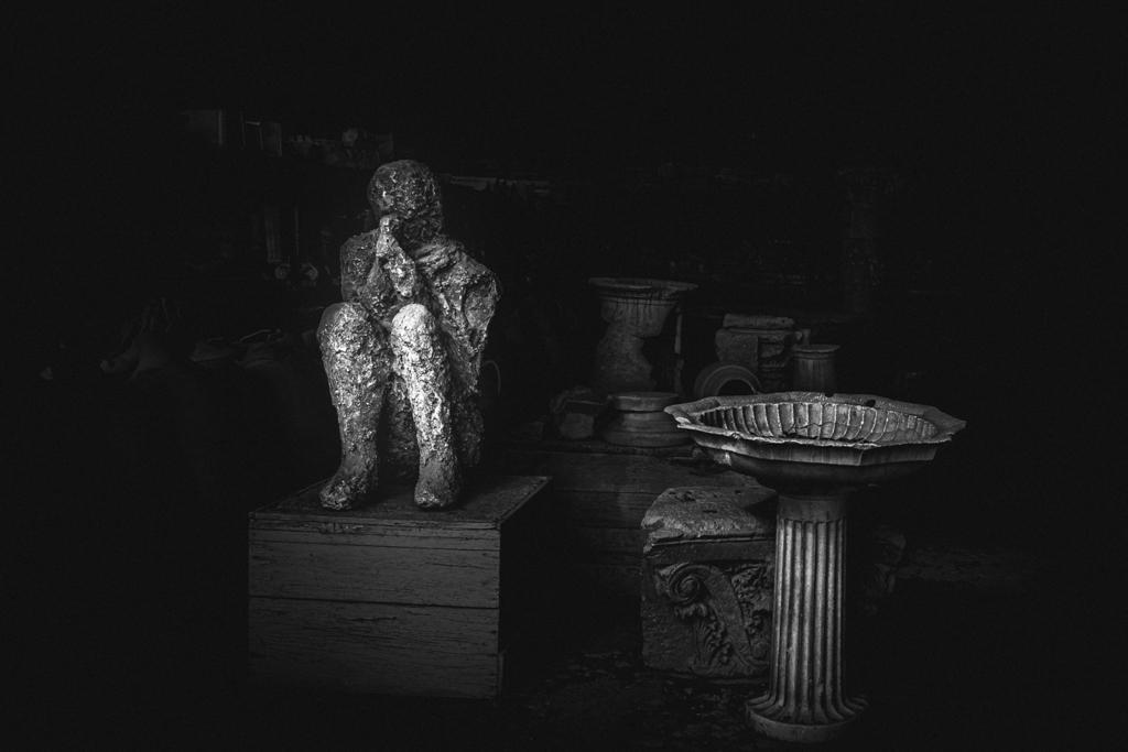 De Umbris Pompeii - Vincenzo Bello